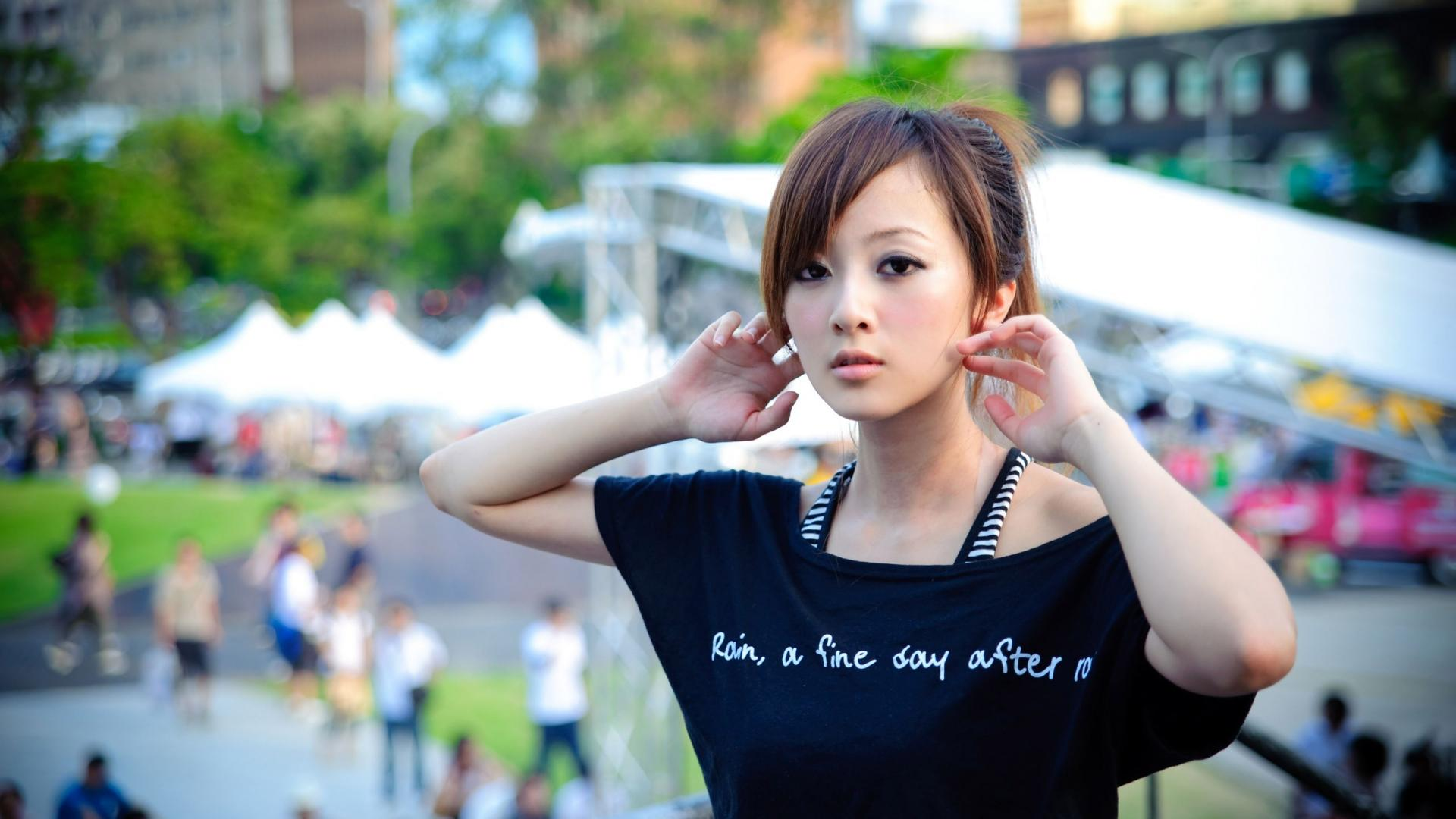 Cute Asian Girl Background HD HD Wallpaper