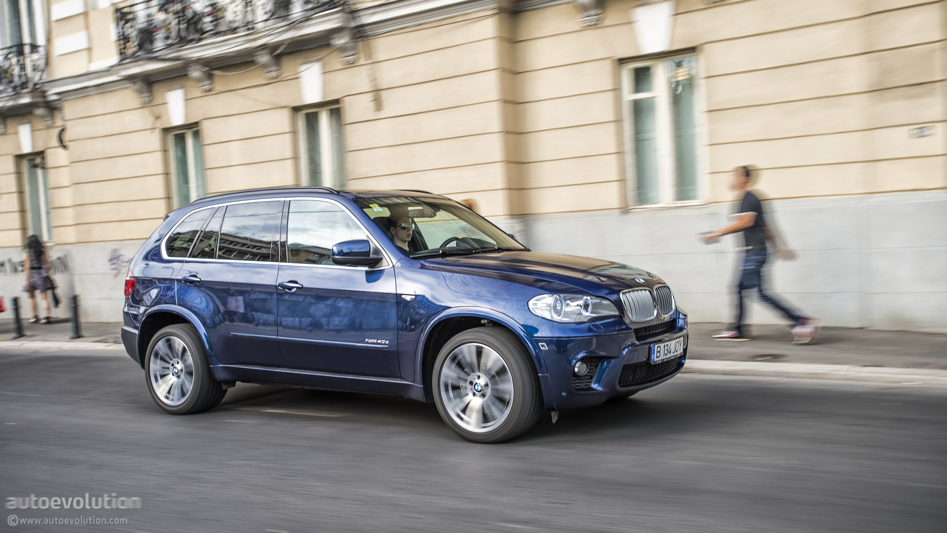 BMW X5 M Pack    back to gallery     back to   BMW X5 Test Drive  HD Wallpaper