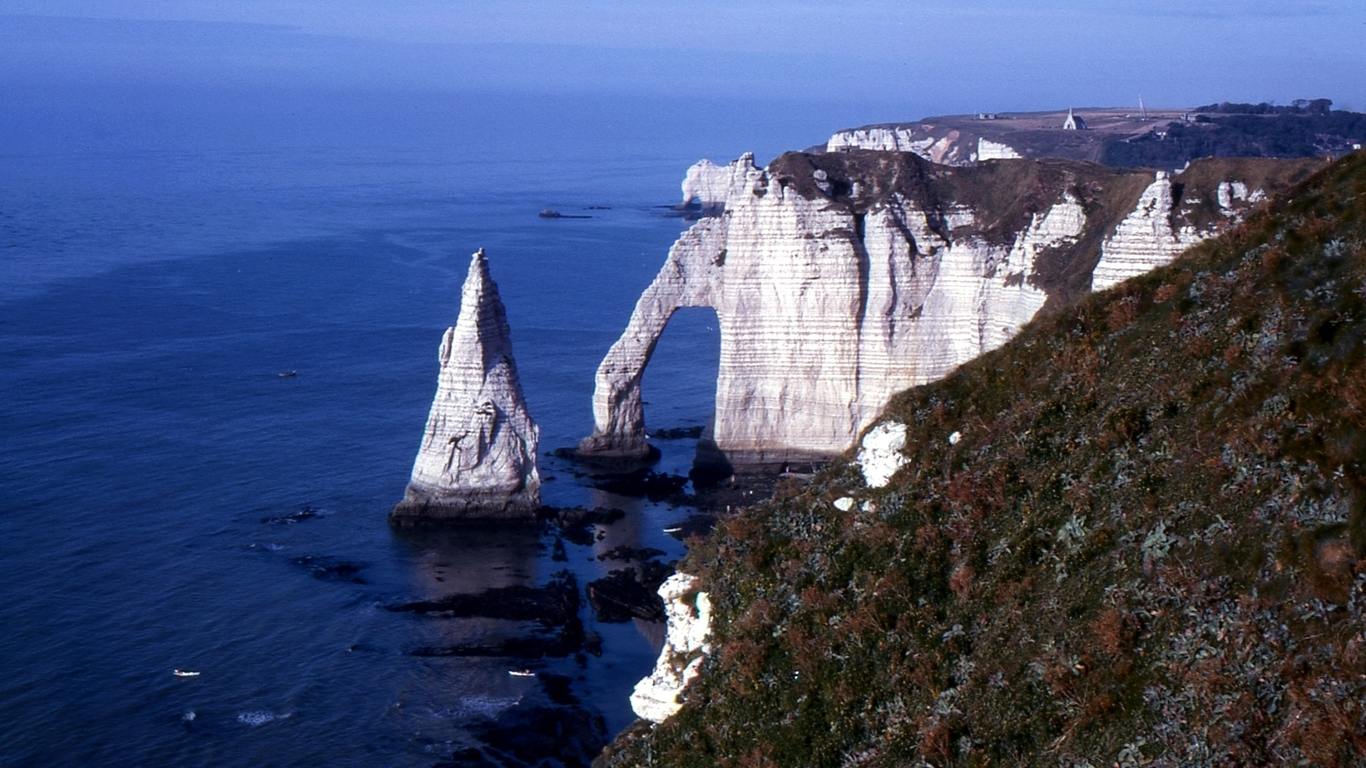 Girly Eiffel Tower Tretat HD Wallpaper