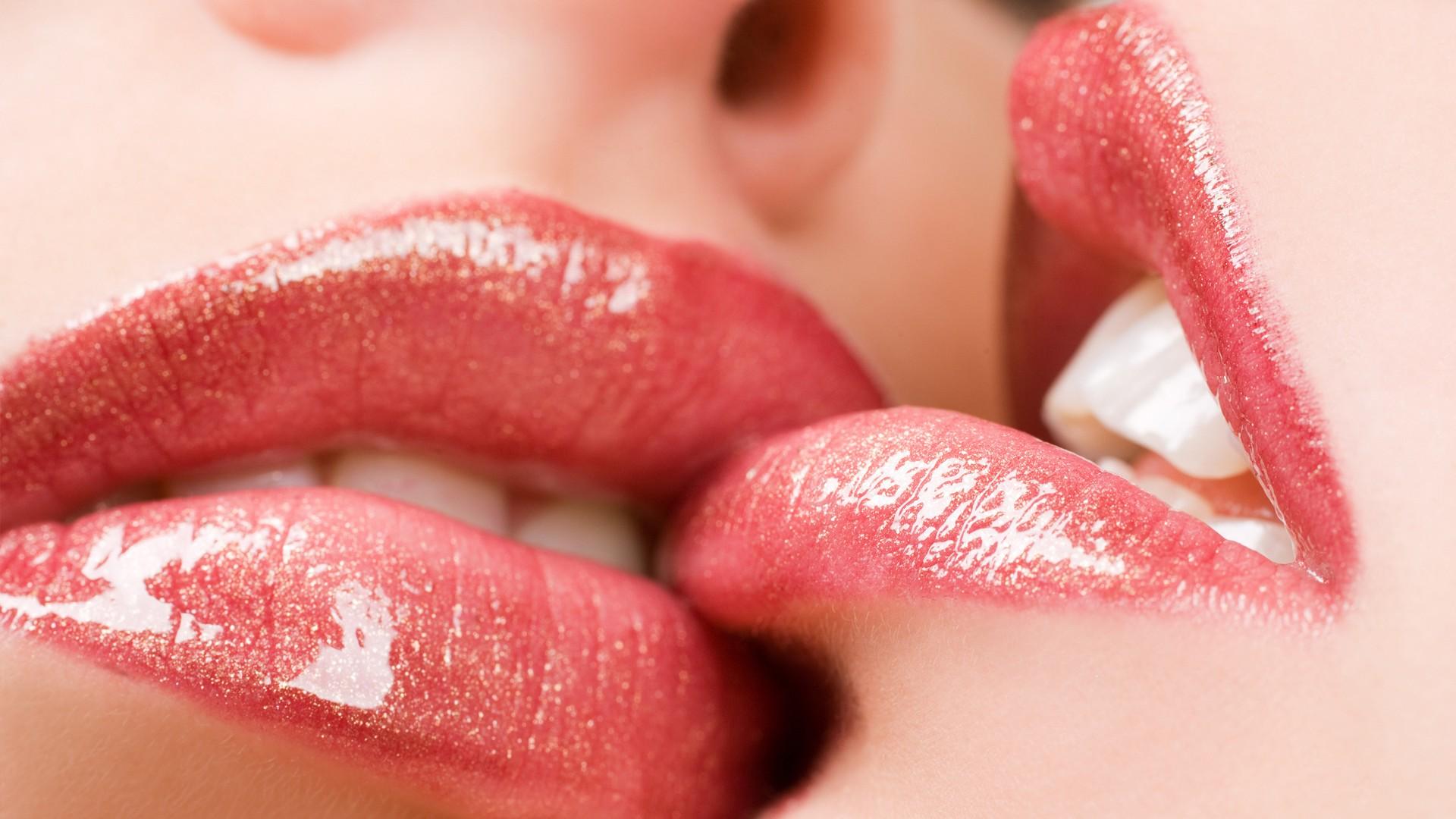Lips  Kiss  Pomade  Girls HD Wallpaper