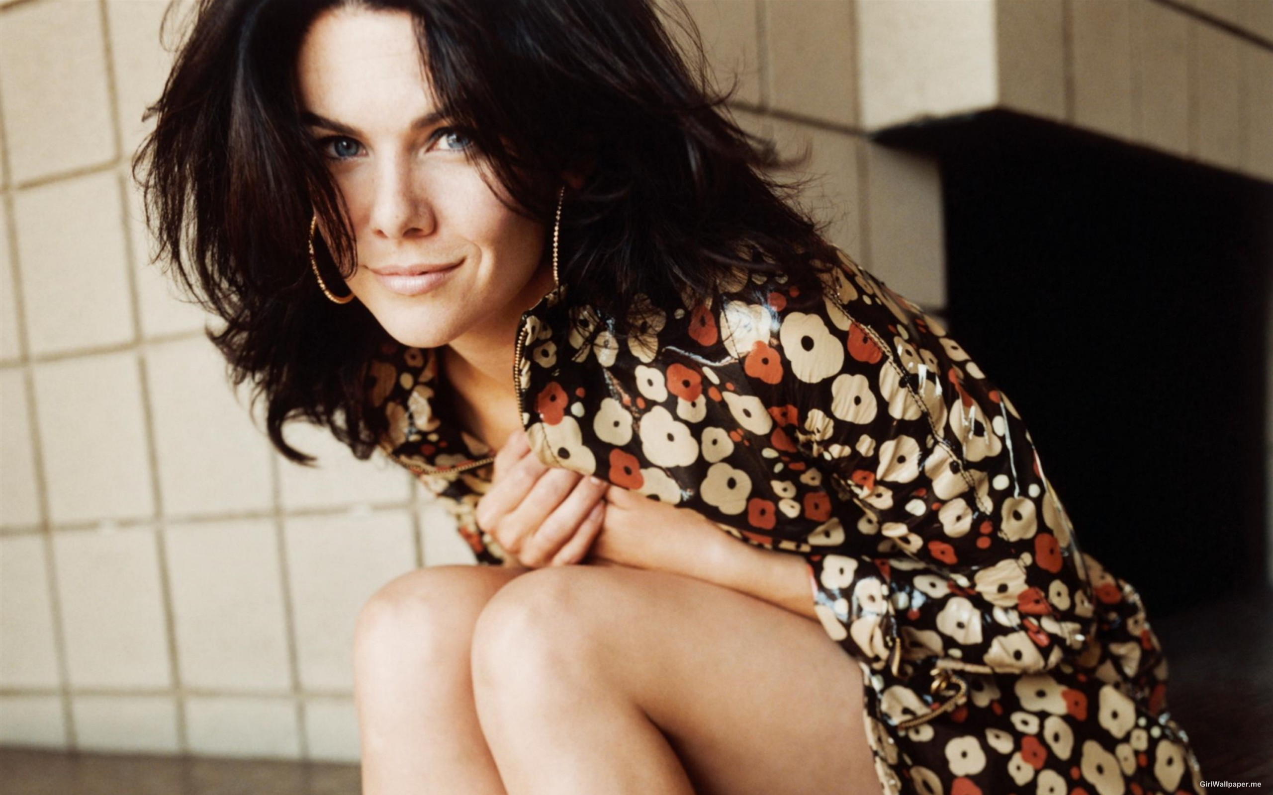 Pretty Lauren Graham  2560x1600 Photo 23381  HD Wallpaper