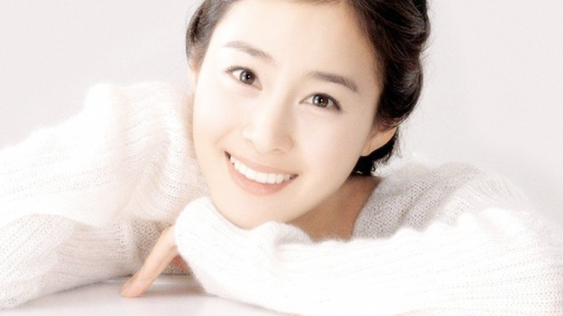 Kim Tae Hee  HD Wallpaper
