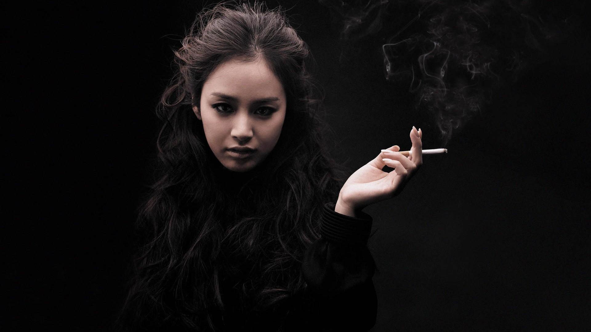 Kim Tae hee Smoking HD Wallpaper