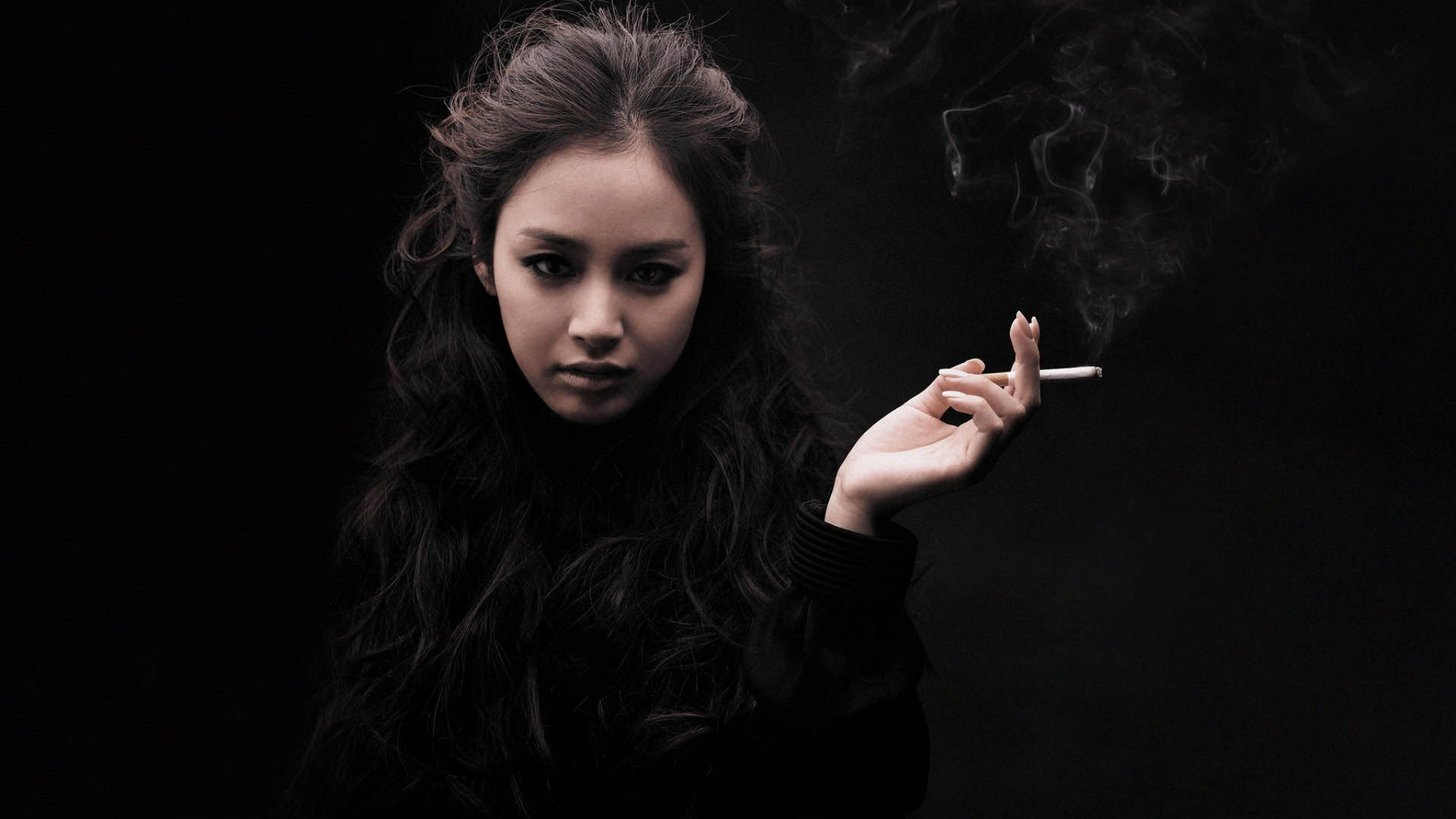 Kim Tae hee Smoking HD Wallpaper
