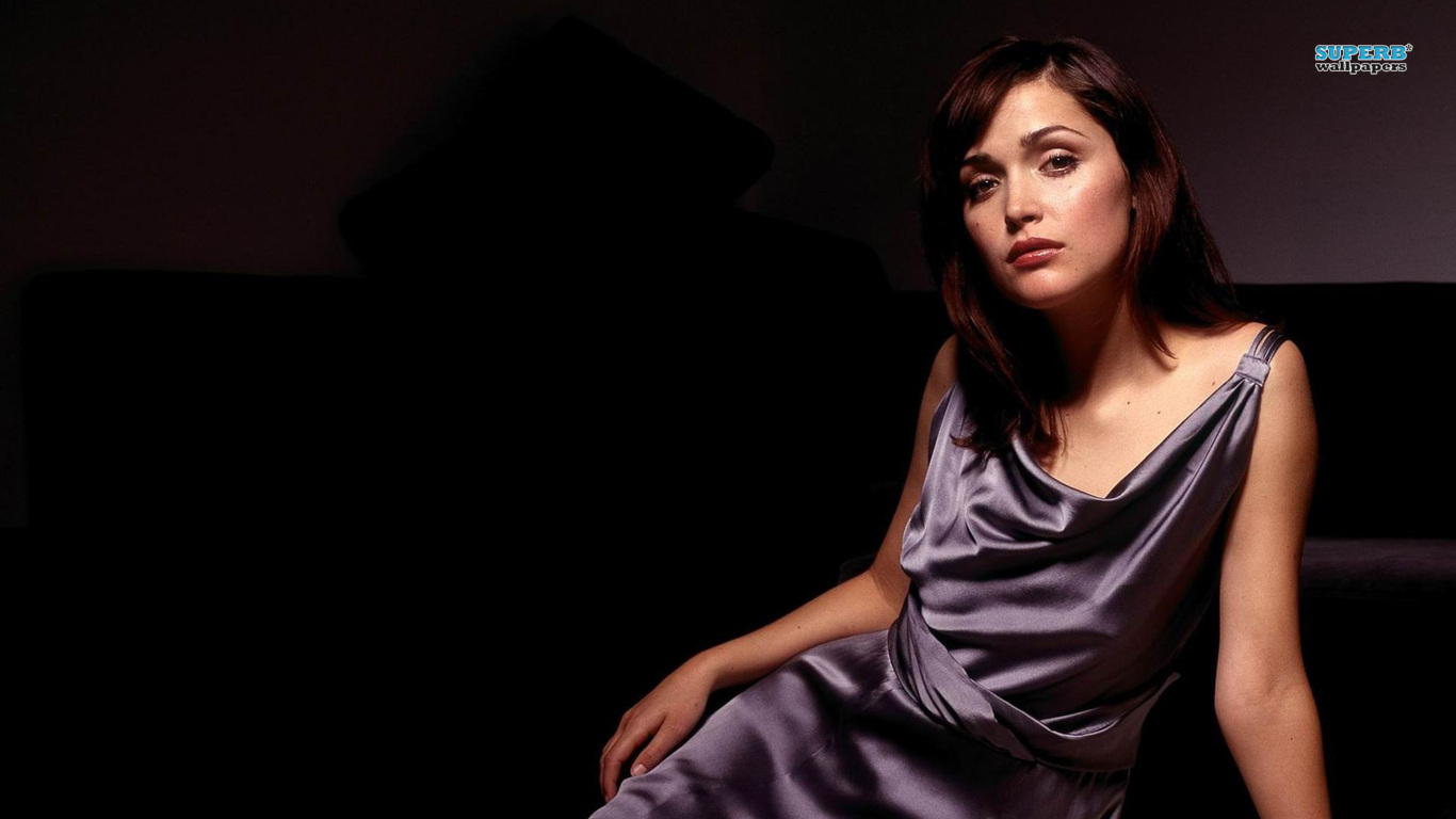Rose Byrne  1366x768 HD Wallpaper