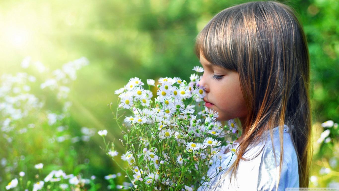 Child And Flowers HD desktop HD Wallpaper