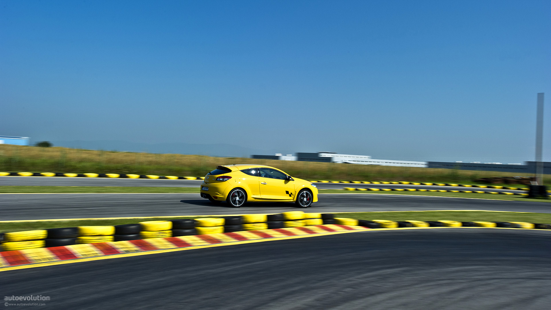 back to   RENAULT Megane RS 250 Cup Test Drive  HD Wallpaper