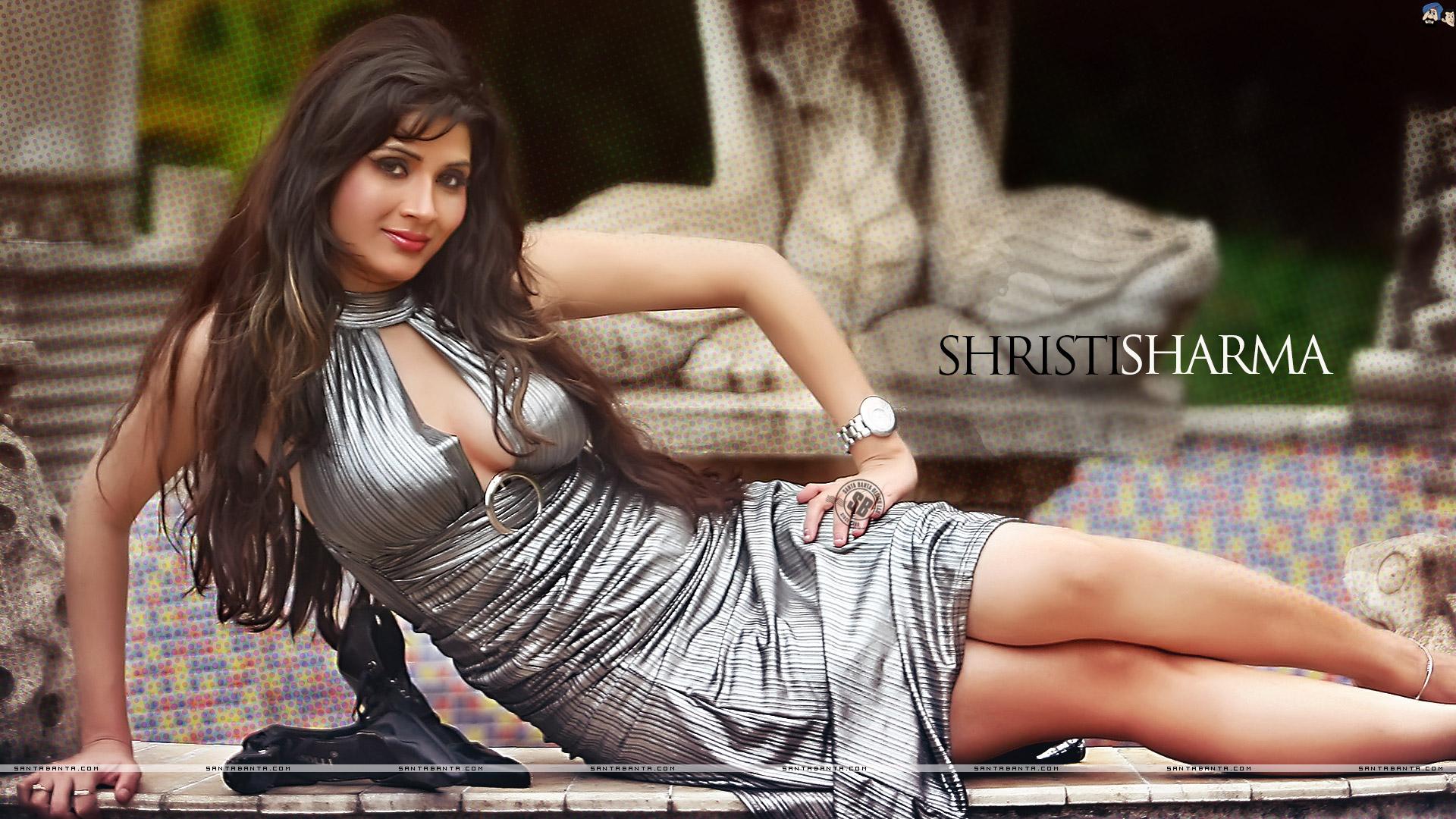 Latest Kareena Kapoor Tamanna  HD Wallpaper