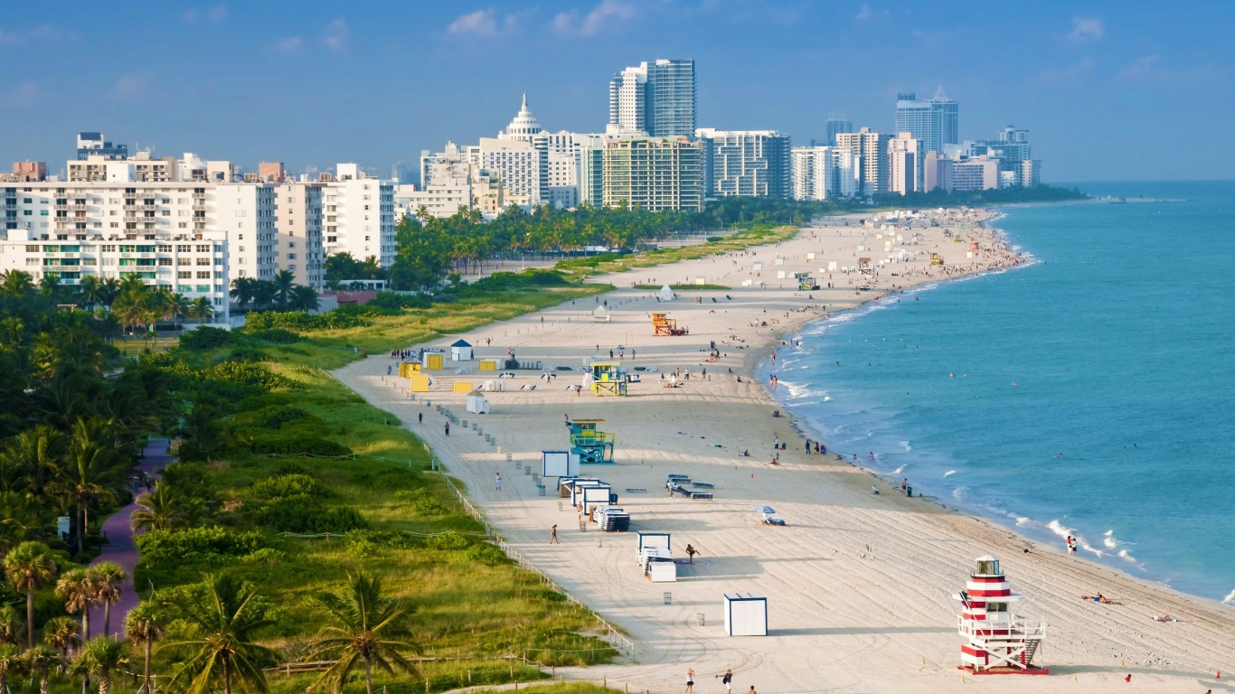 1366x768 Miami Beach Florida  HD Wallpaper