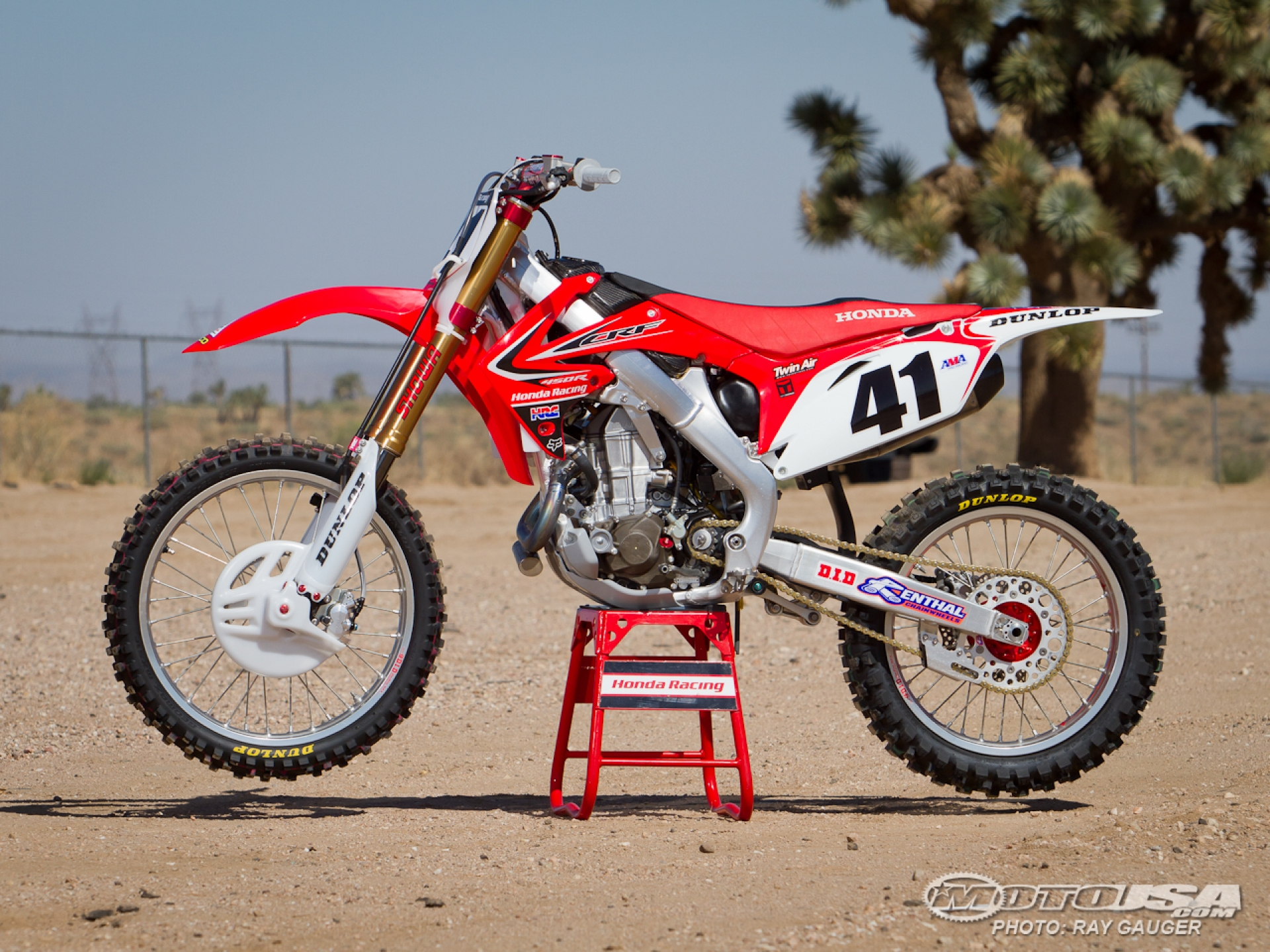 Crf450r factory motocross bike test picture 9 of 22 motorcycle usa HD Wallpaper