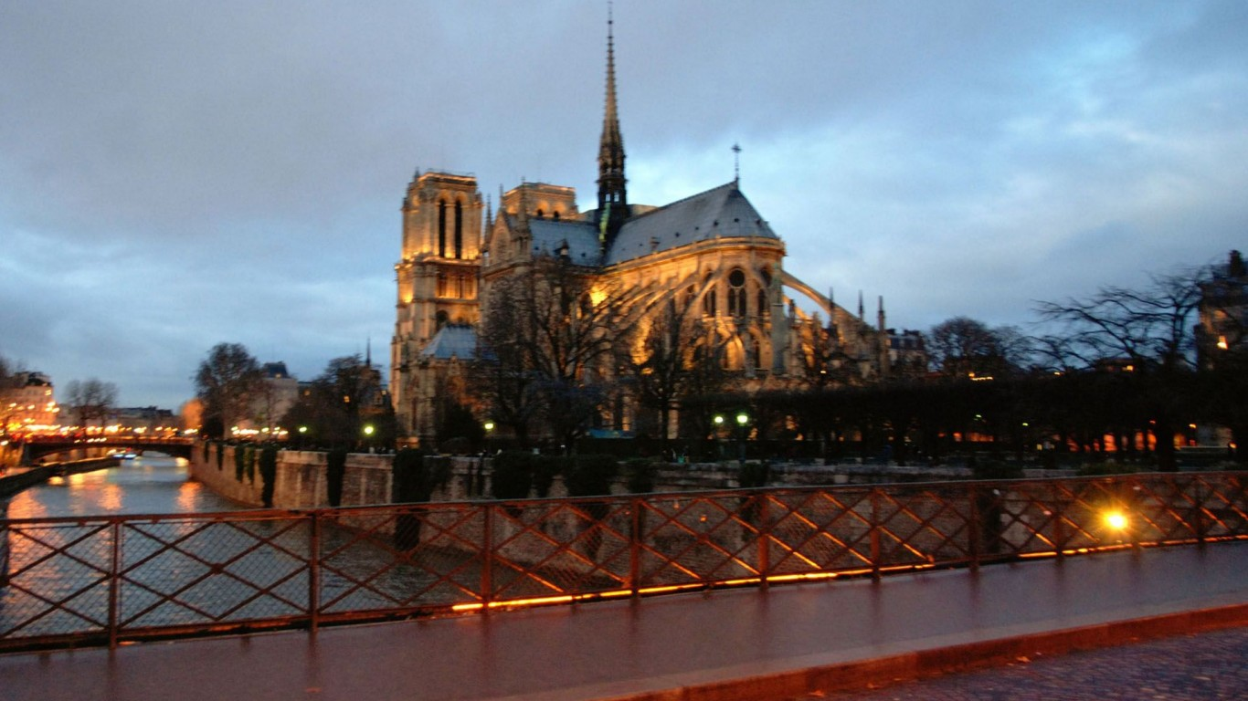 Paris Notre Dame Cathedral  Eiffel Tower  France HD  HD Wallpaper