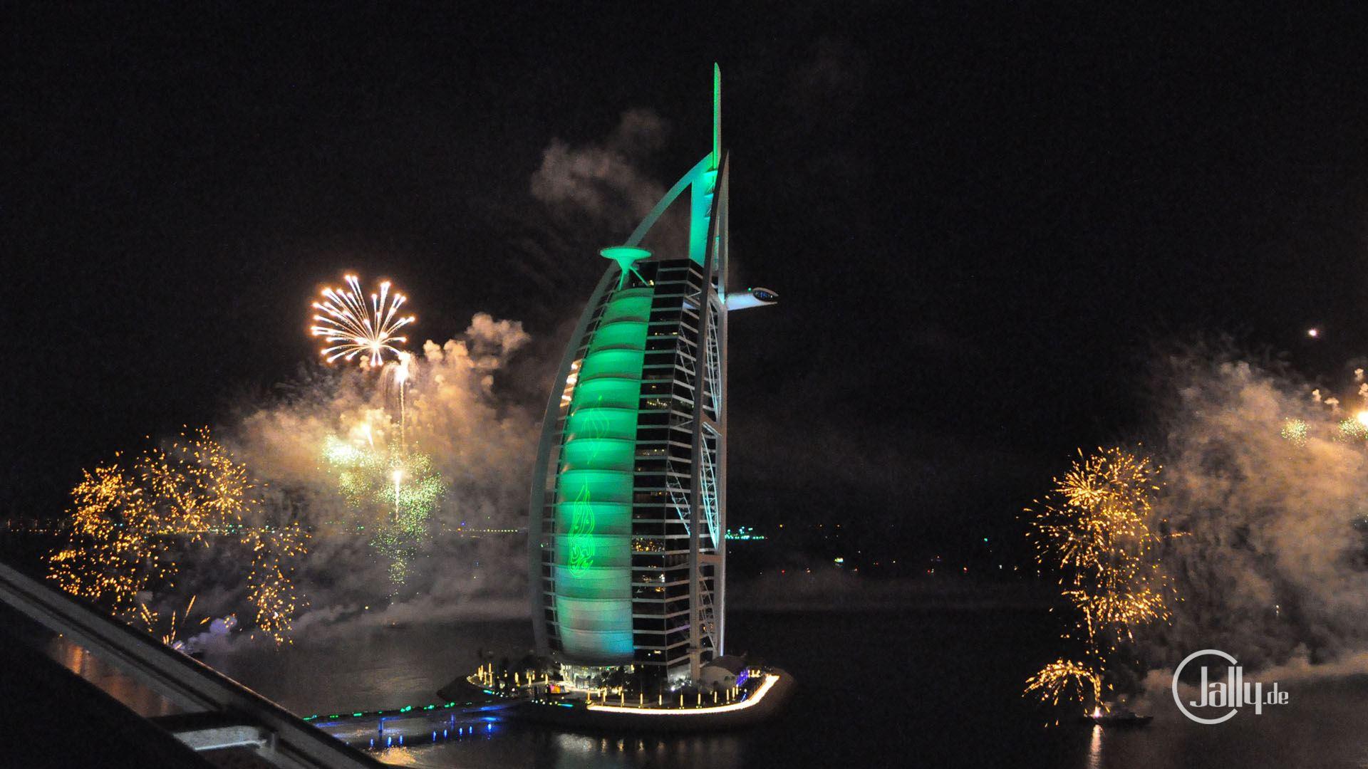 Silvesterabend in Dubai am Burj Al Arab HD Wallpaper