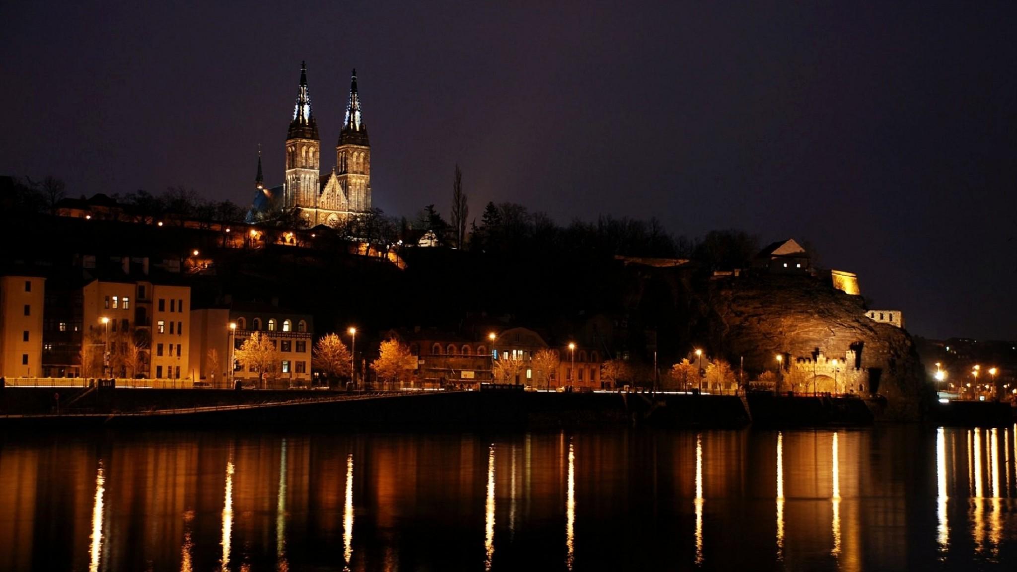 Prague  czech republic  night  building  cityscape   HD Desktop HD Wallpaper