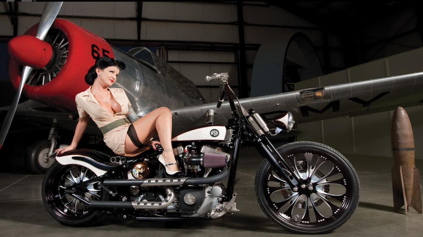 Girls on Bikes    Imgur HD Wallpaper