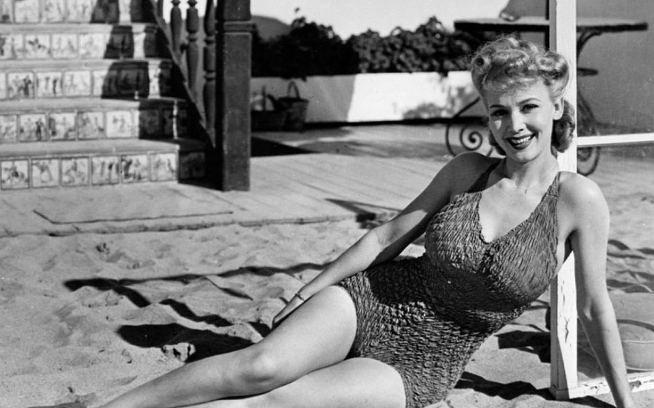 Ретро голых леди в 60 90 годы 20 века 24 фотография