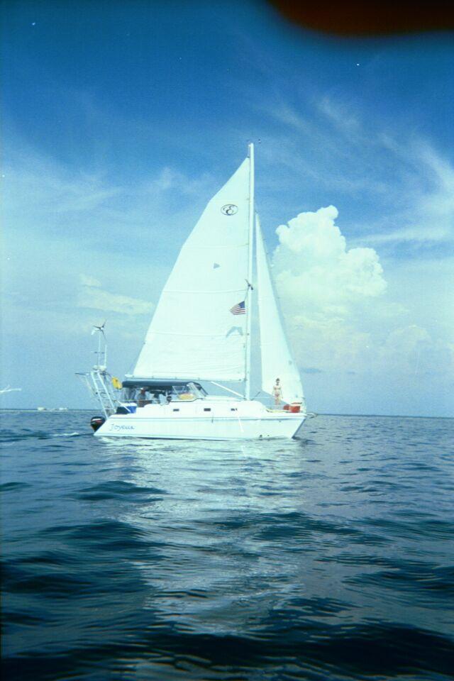 Used endeavor 30 mkii catamaran for sale   Joyeux HD Wallpaper