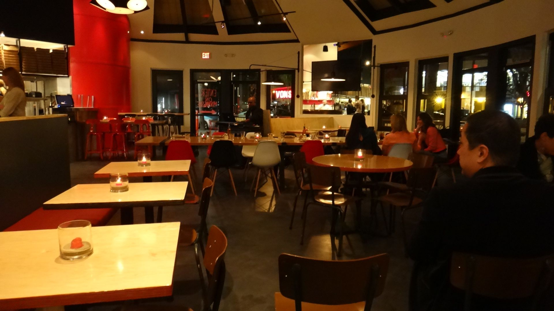 Pitfire Pizza Opens in Manhattan Beach  Walk With Sally Benefits HD Wallpaper