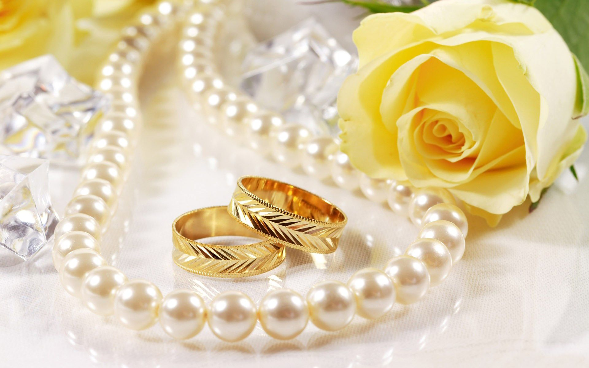 Yellow Rose Gold Ring Pearl Necklace Diamond Wide Tablet HD Wallpaper