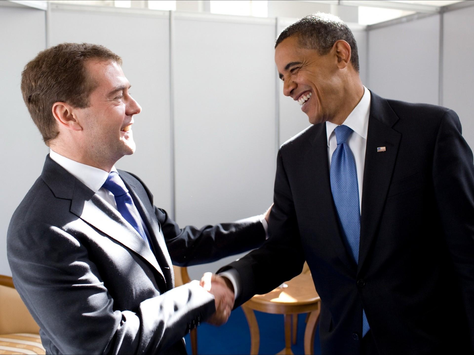 Obama  President  Russia  HD Wallpaper